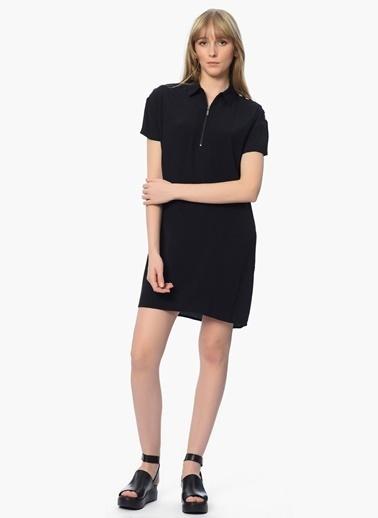 Que Kısa Kollu Yakası Fermuarlı Elbise Siyah